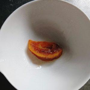 冷凍柿を電子レンジで加熱