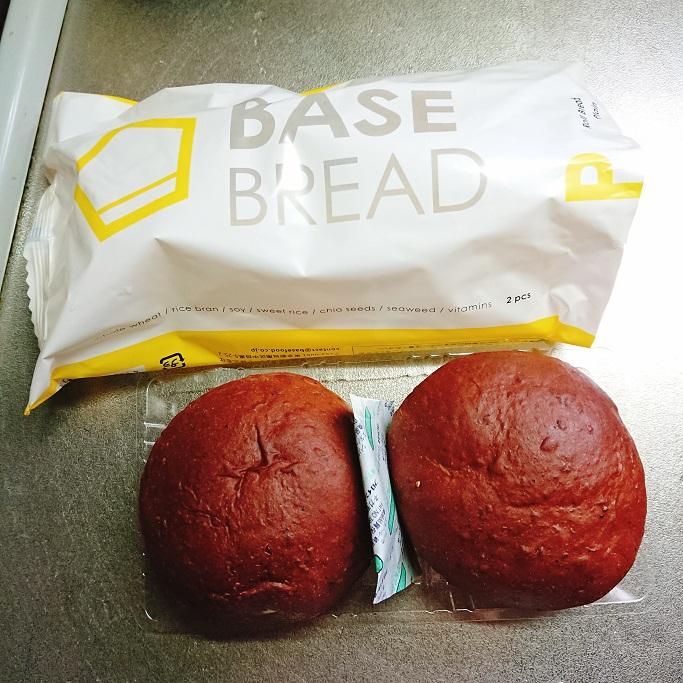 完全食BASEFOODのブレッドを食べる為に封を開けたところ