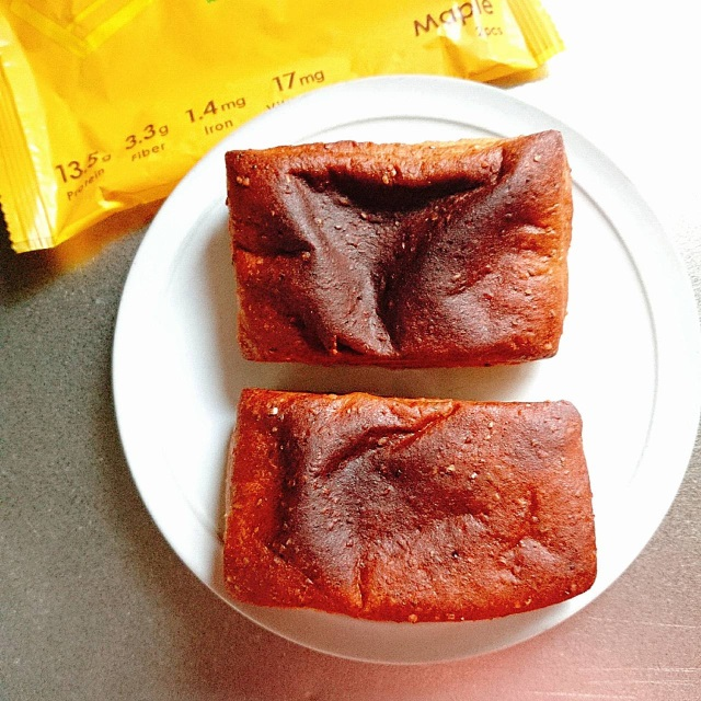 ベースフードのメープル味パン
